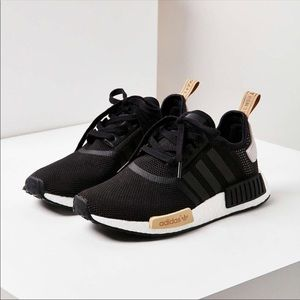 adidas nmd r1 women black